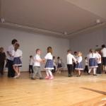 Kisgyerekek néptánc előadása