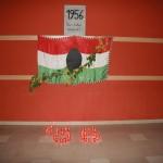 1956-os magyar , lyukas zászló és gyertyák