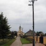 Villanyoszlop a templom előtti utcában